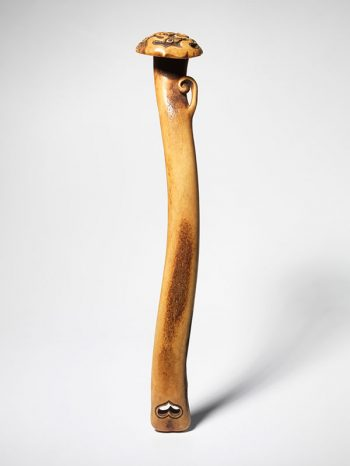 Stag antler sashi netsuke - Kokusai