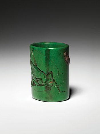 Ryukei - bone netsuke of hollow cylindrical hanaike