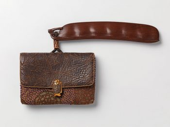 Unsigned - tobacco pouch and wood netsuke
