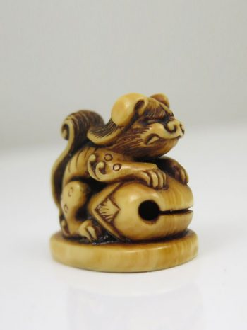 Netsuke seal of a karashishi